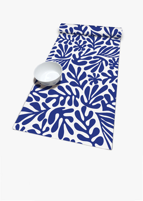 Table runner with organic shapes design in blue and white