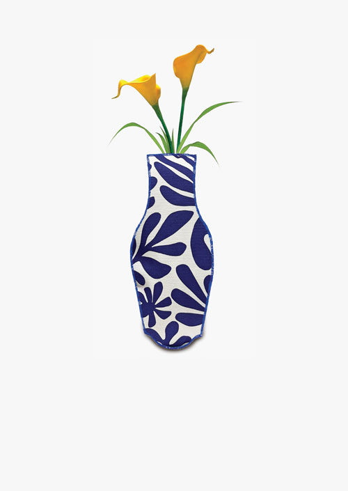 Decorative fabric cover to use as a flower vase
